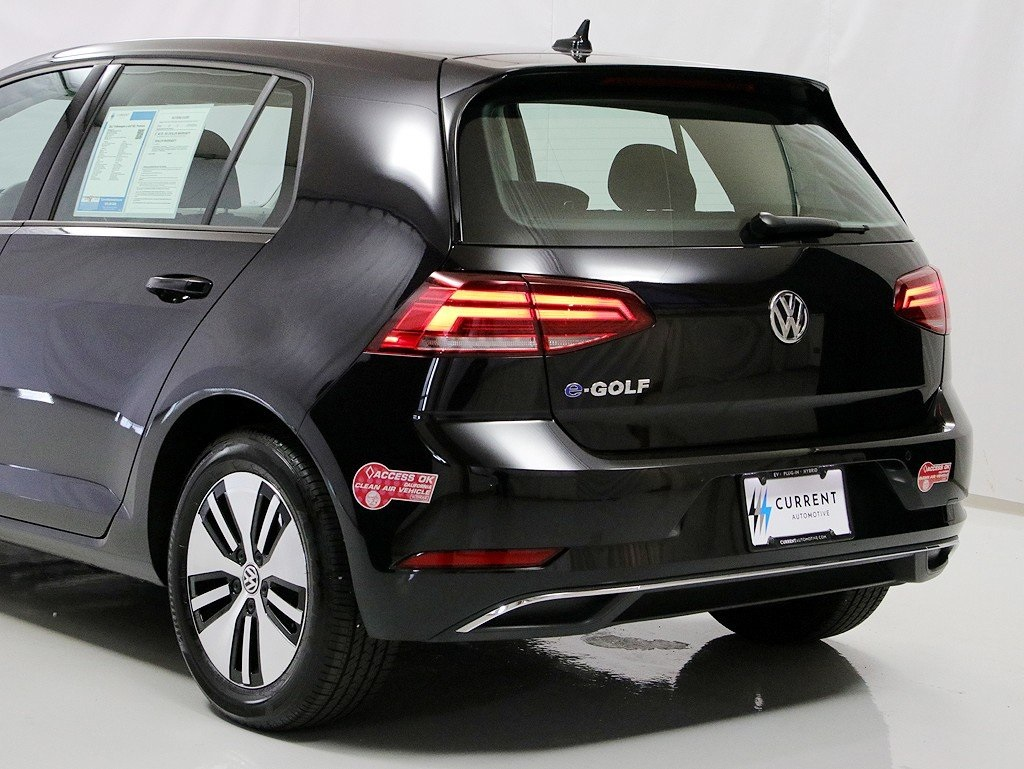Pre-Owned 2017 Volkswagen e-Golf SEL Premium 125-mile battery